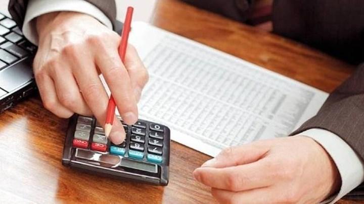 Επιπλέον εισφορές για το 2017 θα πληρώσουν 162.000 μπλοκάκια