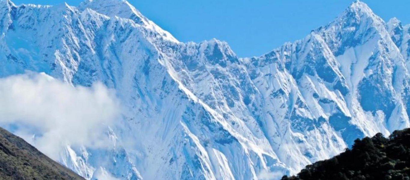 Βρέθηκαν μετά από 30 χρόνια τα άψυχα σώματα δύο ορειβατών που είχαν χαθεί στα Ιμαλάια (φωτο)