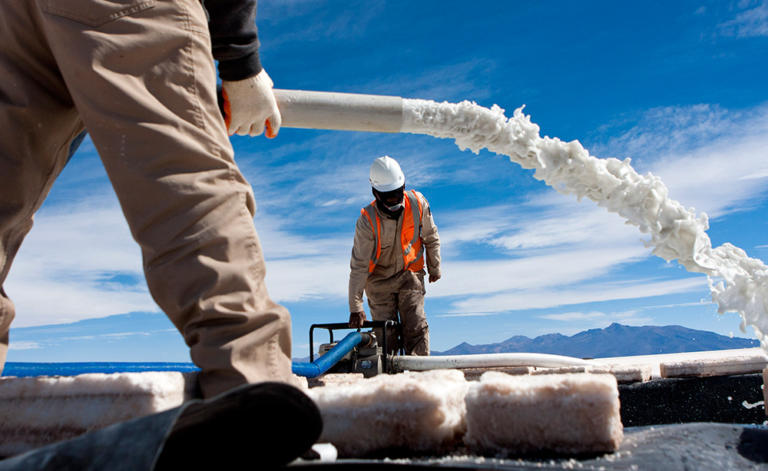 Συμφωνία-μαμούθ της Γερμανίας με τη Βολιβία για την προμήθεια λιθίου