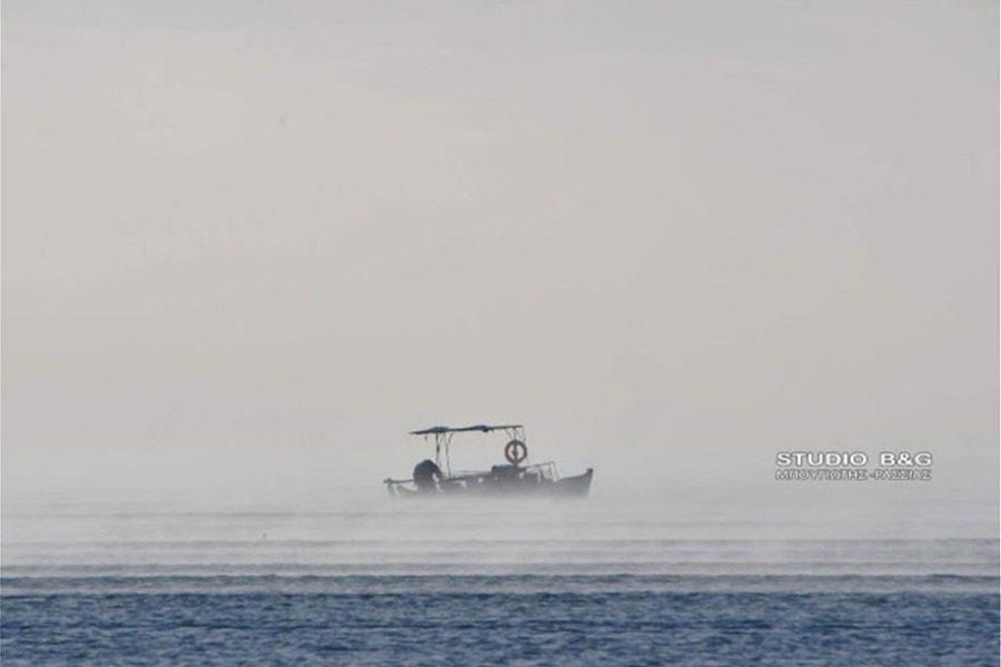 Εντυπωσιακές φωτογραφίες: Η θάλασσα «βράζει» στο Ναύπλιο