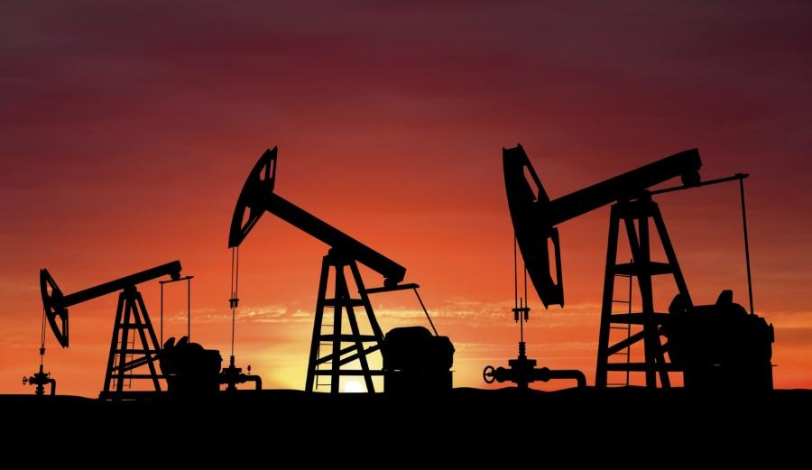 Σε χαμηλά 17 μηνών παραμένει το πετρέλαιο εν μέσω αυξημένης προσφοράς – Στα 45,61 δολ. ανά βαρέλι το αμερικανικό αργό
