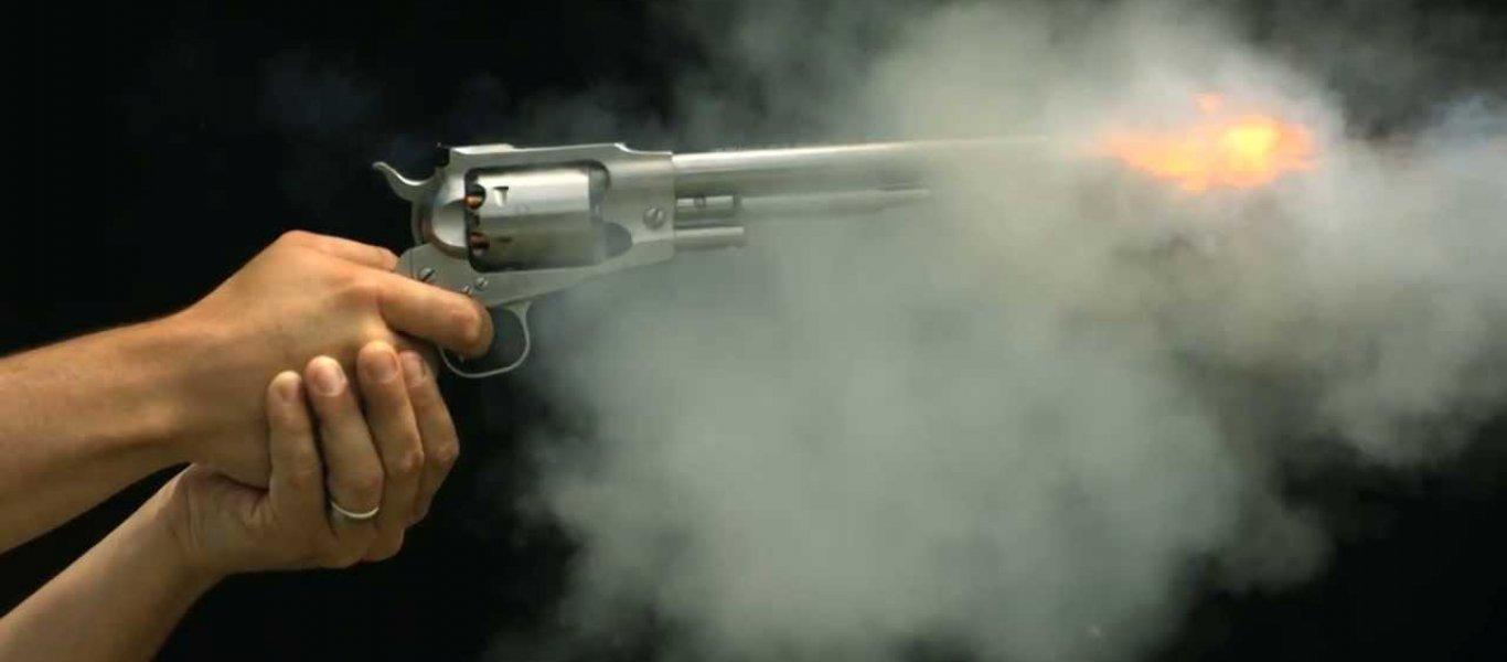 Πυροβολισμοί στην Ομόνοια: Ένας Aλβανός νεκρός με μια σφαίρα στο κεφάλι