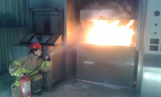 Στις… φλόγες λεβητοστάσιο – Καταστράφηκαν οχήματα