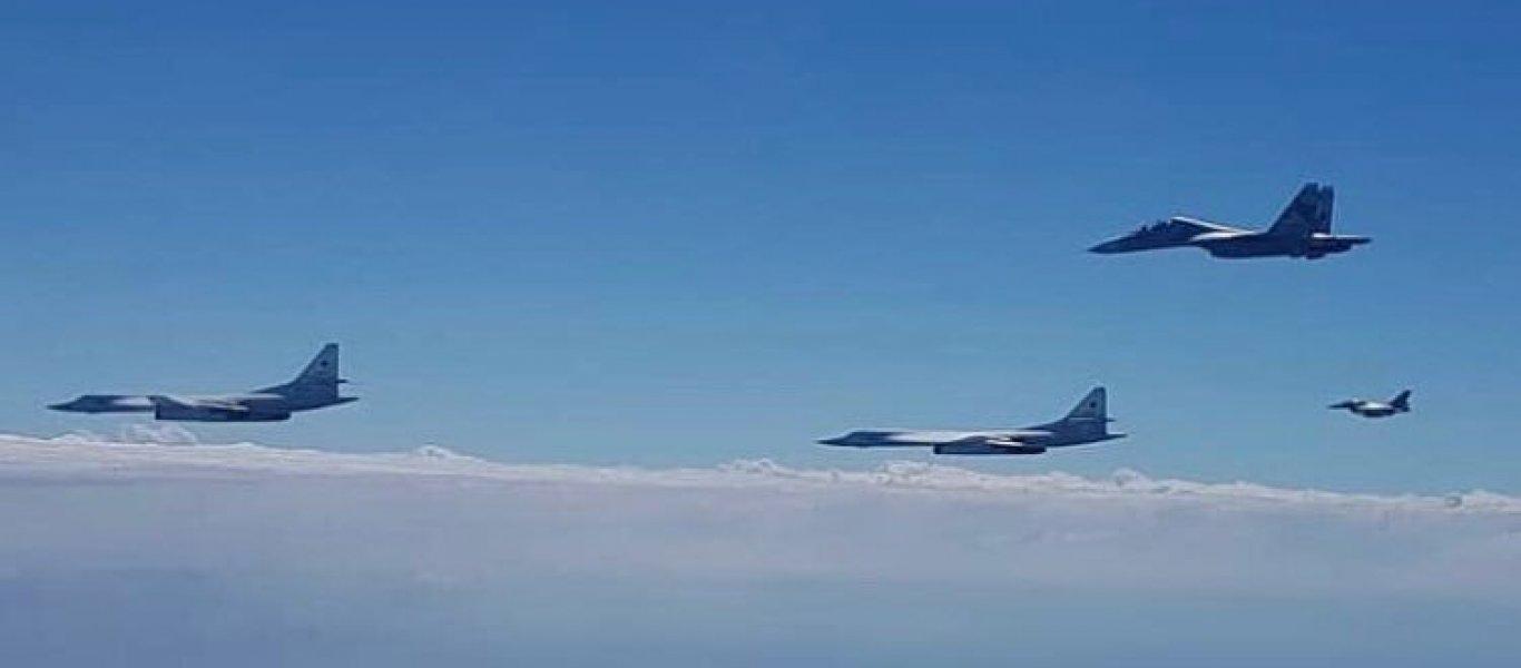 Ρωσικά στρατηγικά βομβαρδιστικά Tu-160 στις ακτές των ΗΠΑ μαζί με μαχητικά Su-30 – Δείτε φωτό, βίντεο