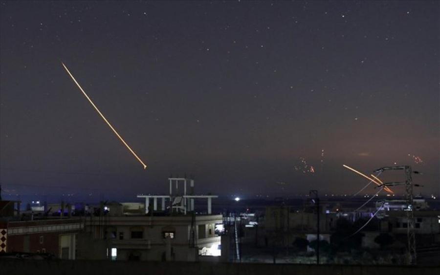 Η συριακή αεράμυνα αναχαίτισε «εχθρικούς στόχους» κοντά στο αεροδρόμιο της Δαμασκού