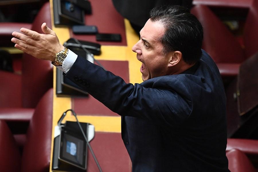 Εκτός ελέγχου ο Γεωργιάδης – Ακούστε τι είπε μέσα στη Βουλή