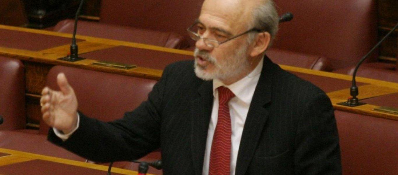 Αλληλοκαρφώνονται οι φιλοσκοπιανοί – Λιάνης: «Εθνοκάθαρση έκανε η Ελλάδα στις Πρέσπες» – Ουράνιο Τόξο: «Είσαι ΚΥΠατζής»