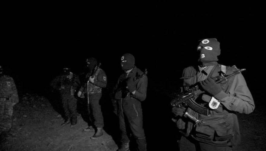 «Βυθίζονται» στο χάος τα Βαλκάνια: Ο UCK ετοιμάζεται να βάλει «φωτιά» στο Πρέσεβο – Αλβανοί έκρυβαν αυτόματα όπλα και χειροβομβίδες