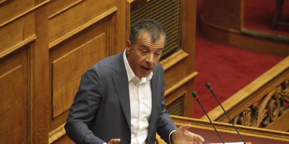 Θεοδωράκης: Το Ποτάμι δεν δίνει ψήφο εμπιστοσύνης στον Τσίπρα