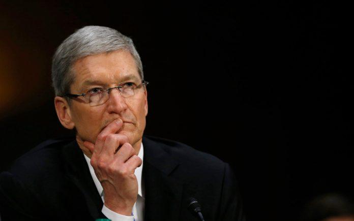 H Apple «παρέσυρε στο βυθό» Wall Street και Ευρώπη – Η χειρότερη μέρα στην ιστορία για τη μετοχή!