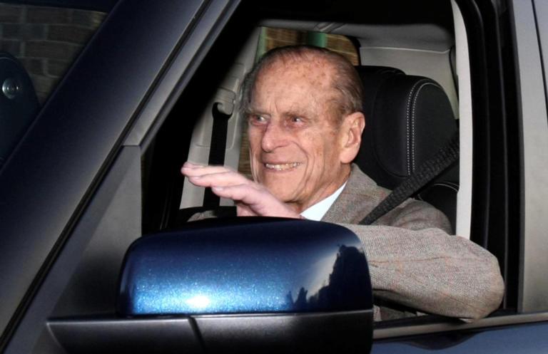 Πρίγκιπας Φίλιππος: Πάρτε του το δίπλωμα τώρα! Η αντίδραση της Βασίλισσας