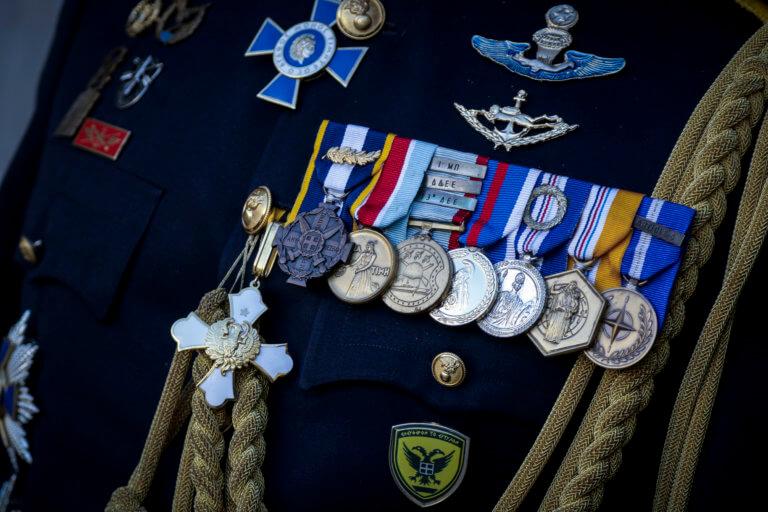 """Κρίσεις: Βόμβες μεγατόνων στις έκτακτες κρίσεις: """"Χατζάρα"""" στο Στρατό Ξηράς και στο Πολεμικό Ναυτικό!"""
