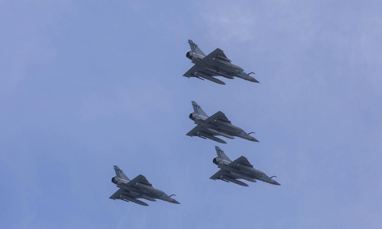 Το πρωί της Τρίτης θα πετάξουν μαχητικά πάνω από την Αθήνα – Δείτε γιατί