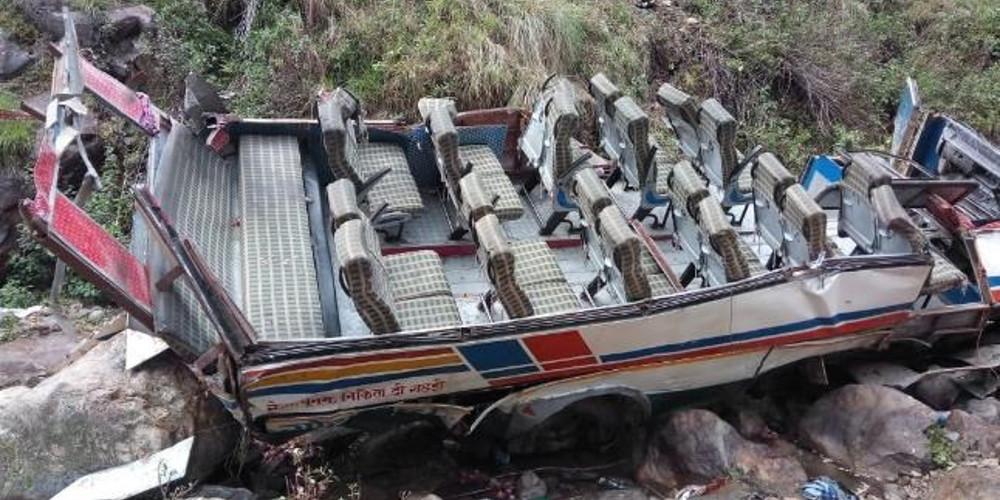 Τουλάχιστον 24 νεκροί σε τροχαίο με λεωφορείο στο Πακιστάν