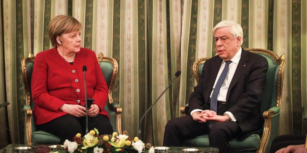 Παυλόπουλος: Δικαστικά επιδιώξιμες οι γερμανικές αποζημιώσεις – Μέρκελ: Έχουμε ιστορική ευθύνη