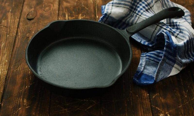 Ποιες τροφές δεν πρέπει να μαγειρεύετε σε σκεύη από μαντέμι (pics)