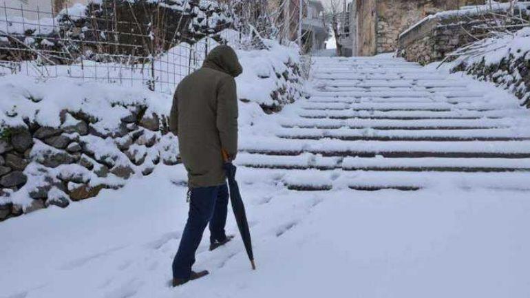 """«Σκανταλαθήνα»: Οι Ανωγειανοί """"βάφτισαν"""" μόνοι τους το χιονιά"""