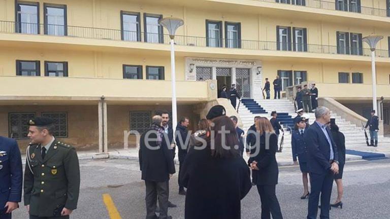 Έκλεψαν την παράσταση Ευάγγελος και Γιάννης Αποστολάκης στο υπουργείο Άμυνας [pics, video]