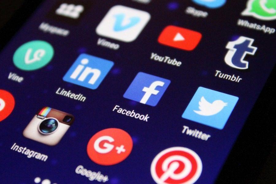 Ο εθισμός στα social media ισοδυναμεί με τον εθισμό στα ναρκωτικά