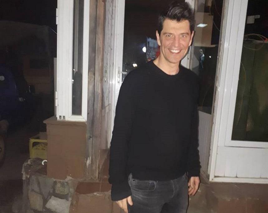 Σάκης Ρουβάς: Πήγε για φαγητό με τον πεθερό του στην Λάρισα και προκάλεσε… «χαμό»! Δες τα στιγμιότυπα