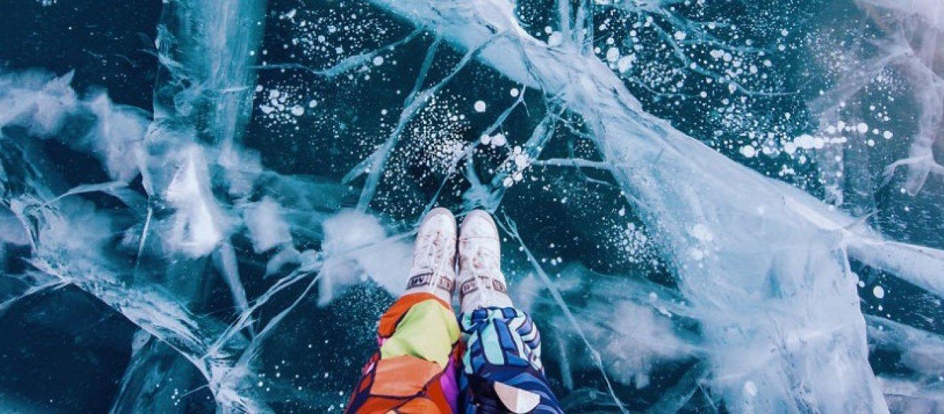 Πάγωσε η βαθύτερη λίμνη του κόσμου – Το «Μπλε μάτι της Σιβηρίας» (φωτο – βίντεο)