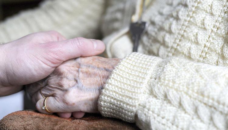 Πώς πρέπει να συμπεριφερόμαστε σε ασθενείς με άνοια