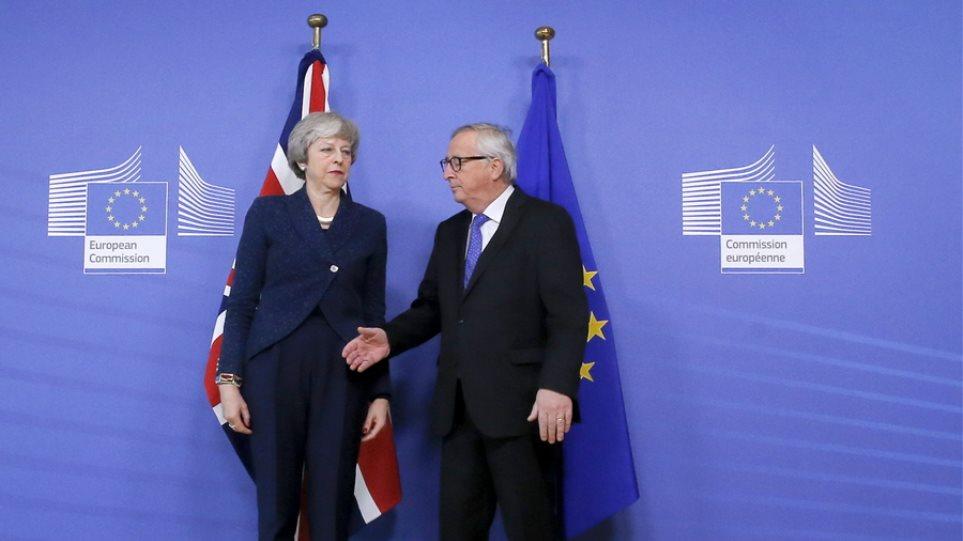 Brexit: Τετ α τετ Μέι – Γιούνκερ με τα περιθώρια να στενεύουν