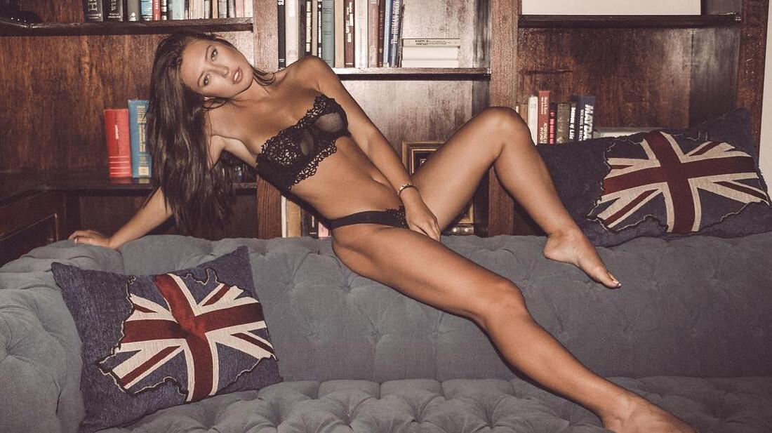 Προφανώς και έστρωνες τον καναπέ σου για την Στεφανία