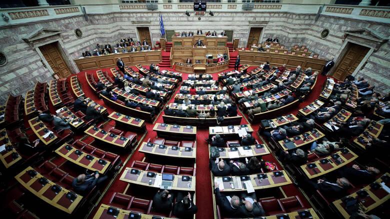 Φίλης, Κοτζιάς, Κοντονής, Βάκη και Κασιμάτη οι «αντάρτες» του ΣΥΡΙΖΑ στην αναθεώρηση
