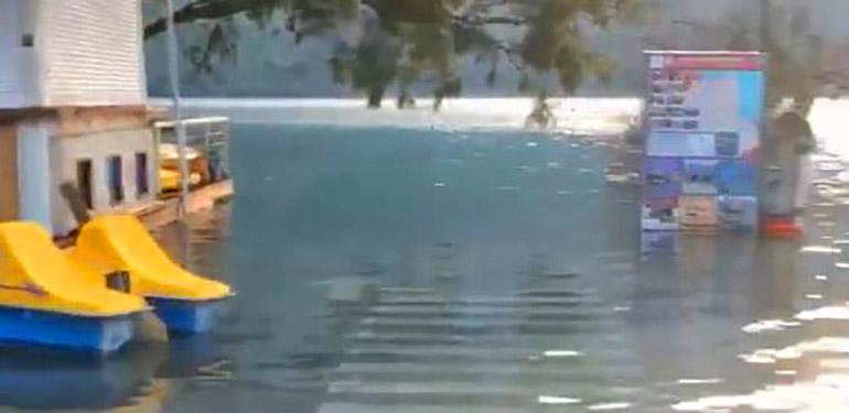Τα ραντεβού της ήταν πολύπλοκα στο σπίτι της λίμνης