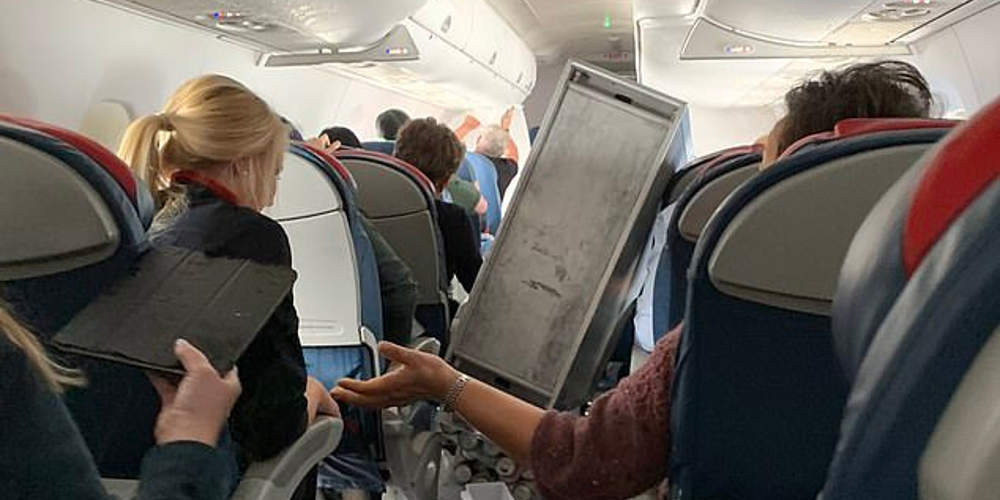 Σφοδρές αναταράξεις σε πτήση για το Σιάτλ – Αναγκαστική προσγείωση και πέντε τραυματίες [εικόνες&βίντεο]