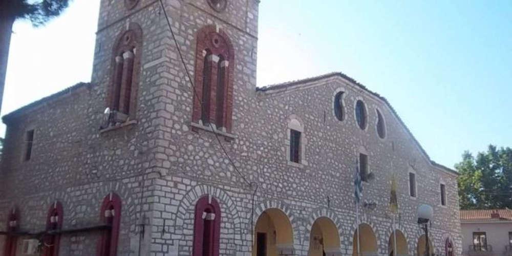 Μέγα σκάνδαλο σε εκκλησία στον Τύρναβο: Άφαντος ο ιερέας, οι εικόνες και 140.000 ευρώ!
