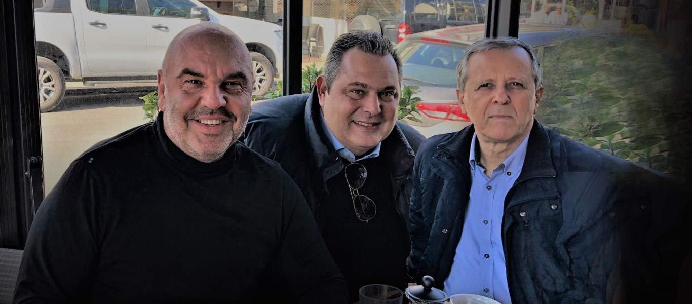 Στην Γλυφάδα για καφέ Π.Καμμένος & Π.Μπαλτάκος με τον διευθυντή του pronews.gr Τ.Γκουριώτη