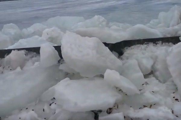 Τρομακτικό φαινόμενο: Το «τσουνάμι πάγου» σε λίμνη των ΗΠΑ