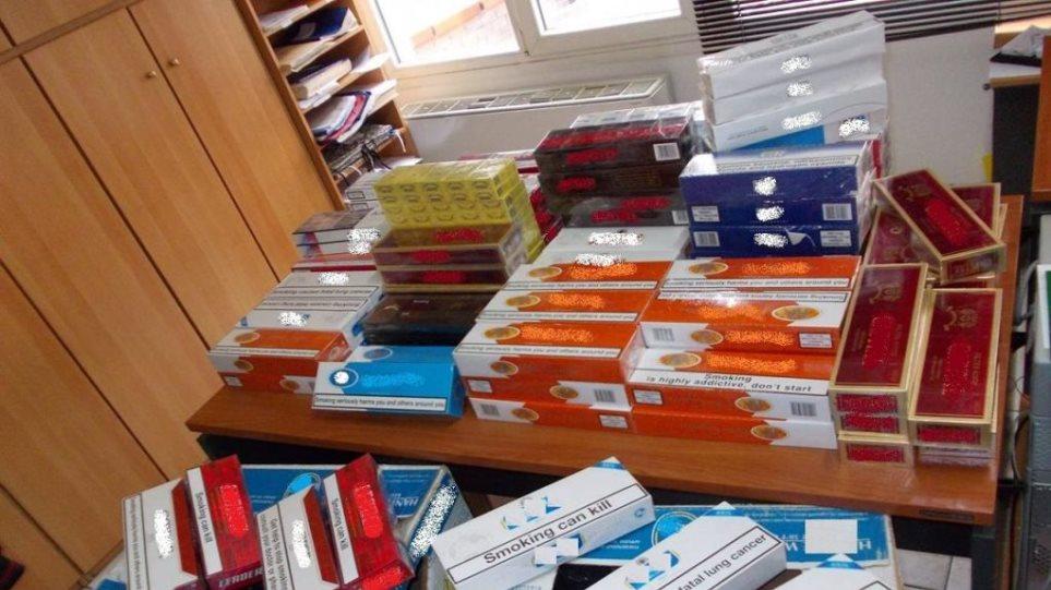 Μεγάλες ποσότητες καπνού και τσιγάρων σε αποθήκη στην Πάτρα