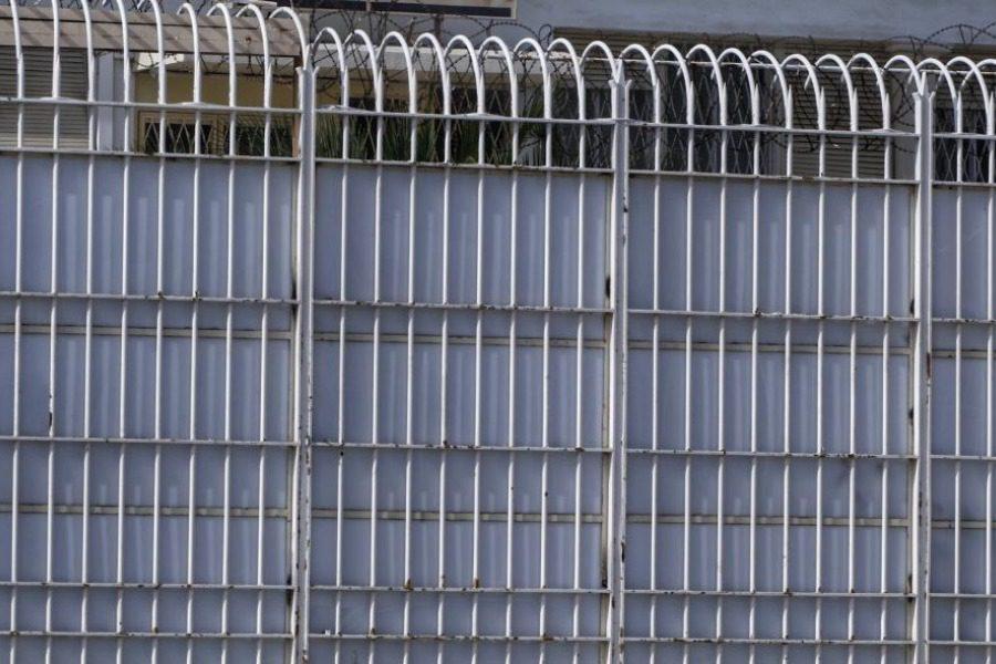 Βόλος: Ισοβίτης απέδρασε αλλά το μετάνιωσε και γύρισε πίσω