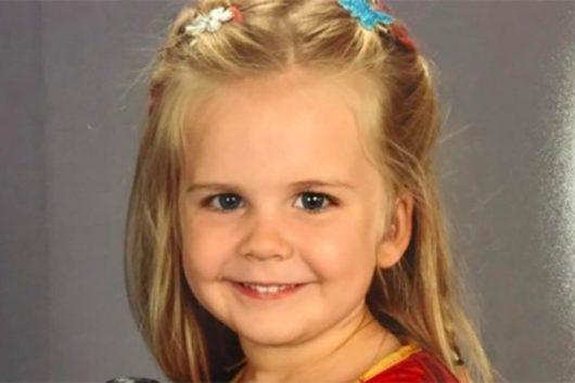 Αφησαν την 3χρονη κόρη τους να διαλέξει τι θα βάλει και η φωτογραφία έγινε viral