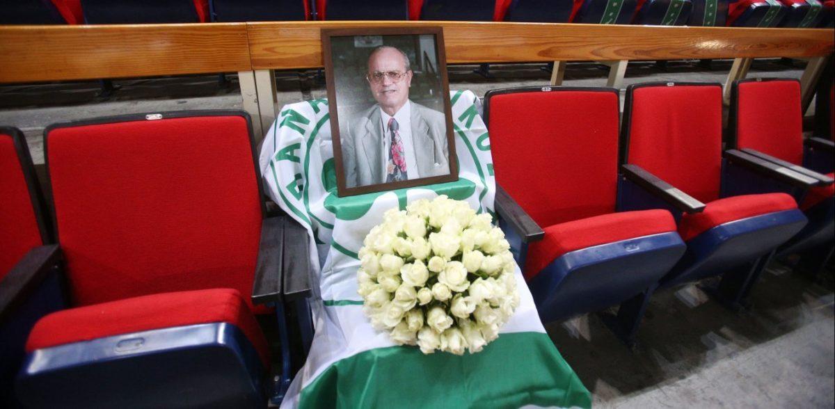 Θανάσης Γιαννακόπουλος: Ραγίζει καρδιές η άδεια θέση του (pics)