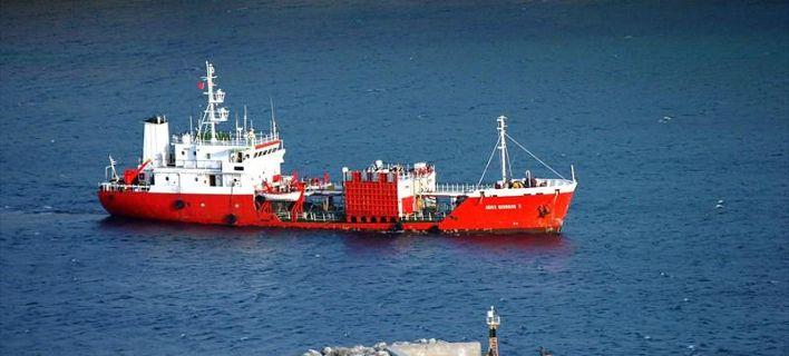 Προσάραξε δεξαμενόπλοιο ανοιχτά της Ανδρου -Δεν έχει αναφερθεί εισροή υδάτων
