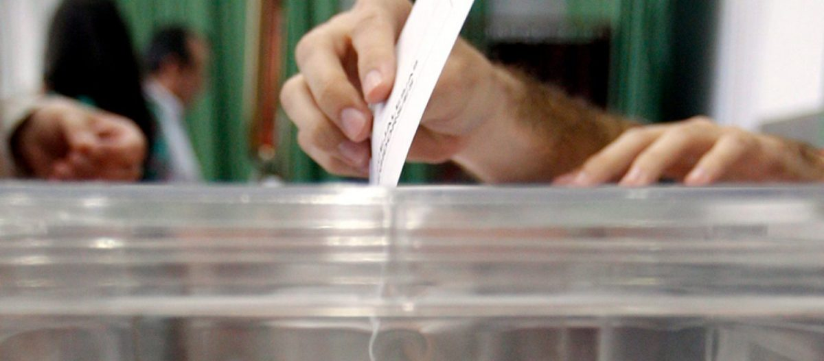 Το «ράλι» των δημοσκοπήσεων: Πόσο πιθανή είναι η αυτοδυναμία της ΝΔ – Προς διψήφιο ποσοστό η ΧΑ