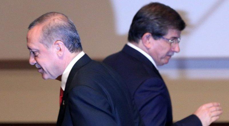Η Δύση προετοιμάζει το έδαφος – Ιδρύει κόμμα ο Νταβούτογλου – Ερντογάν: «Οι προδότες θα πληρώσουν!» – Eμφυλιοπολεμικό κλίμα στη Τουρκία