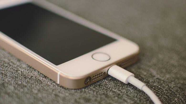 Ρωσία: 14χρονη βρήκε τραγικό θάνατο από το… κινητό της