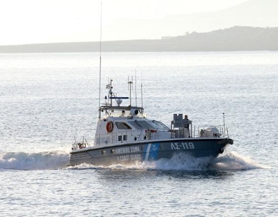 Περιπέτεια για εννέα επιβαίνοντες σε σκάφος
