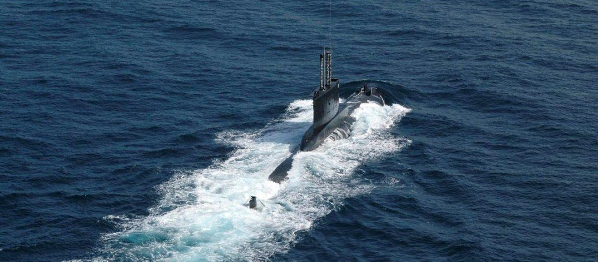 Βίντεο: Ελληνικό υποβρύχιο Type 209/1100 με πυραύλους UGM Harpoon πλέει έξω από τουρκική ναυτική βάση