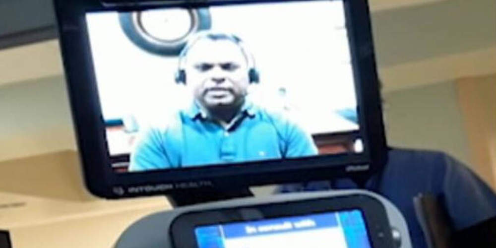 Γιατρός-ρομπότ ανακοίνωσε μέσω τηλεδιάσκεψης σε 78χρονο ότι… πεθαίνει