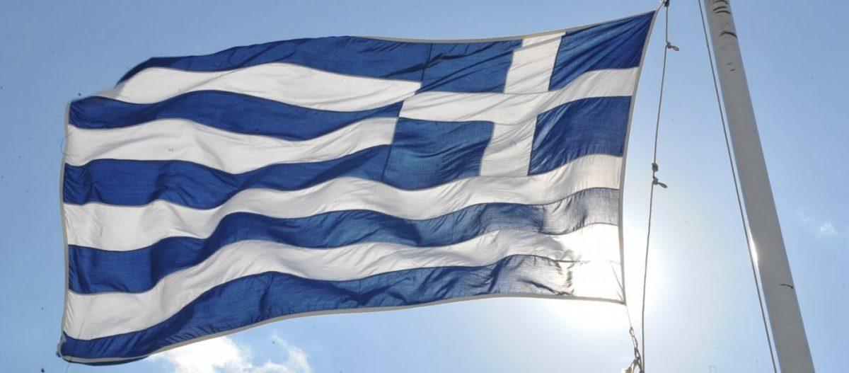 Δεν τόλμησε να «πατήσει» ο Παππάς Λάρισα – Με πυροβολισμούς υποδέχτηκαν το «Μακεδονία Ξακουστή»