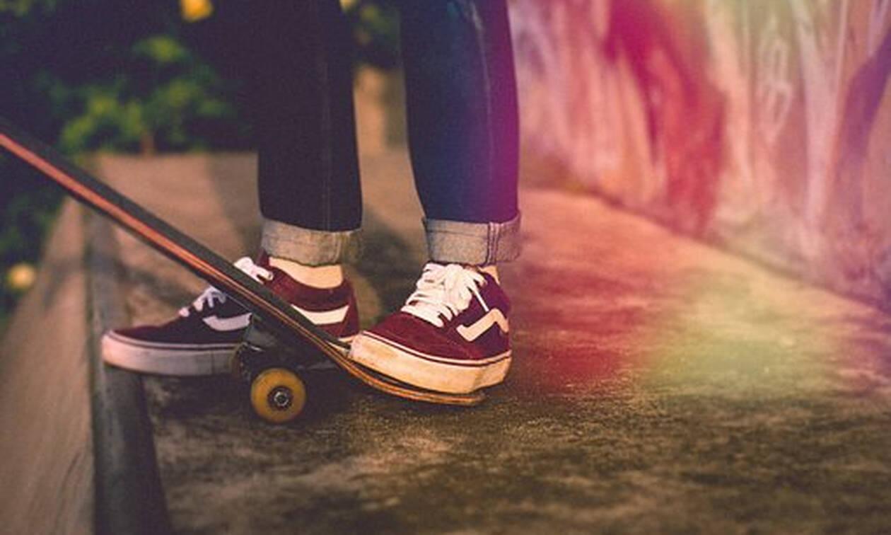 Αυτή είναι η 10χρονη που σπάει όλα τα… ρεκόρ στο skateboard!