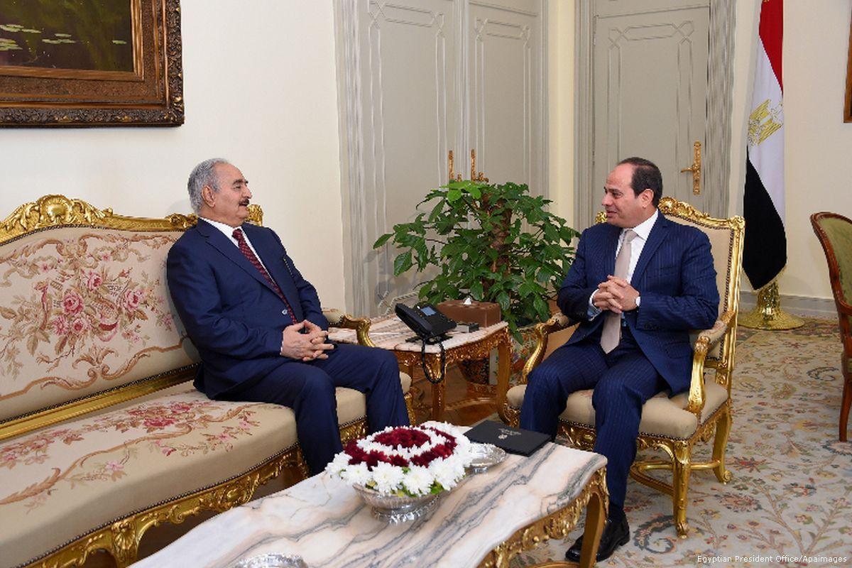 Η Αίγυπτος «τελειώνει» τους τζιχαντιστές: Ο Αλ Σίσι στέλνει πυρομαχικά & όπλα στις δυνάμεις του Χαφτάρ – Έρχεται αιματοχυσία στη Λιβύη