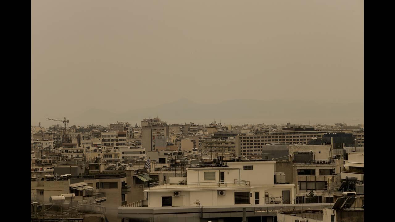 Η αφρικανική σκόνη «σκέπασε» την Αθήνα