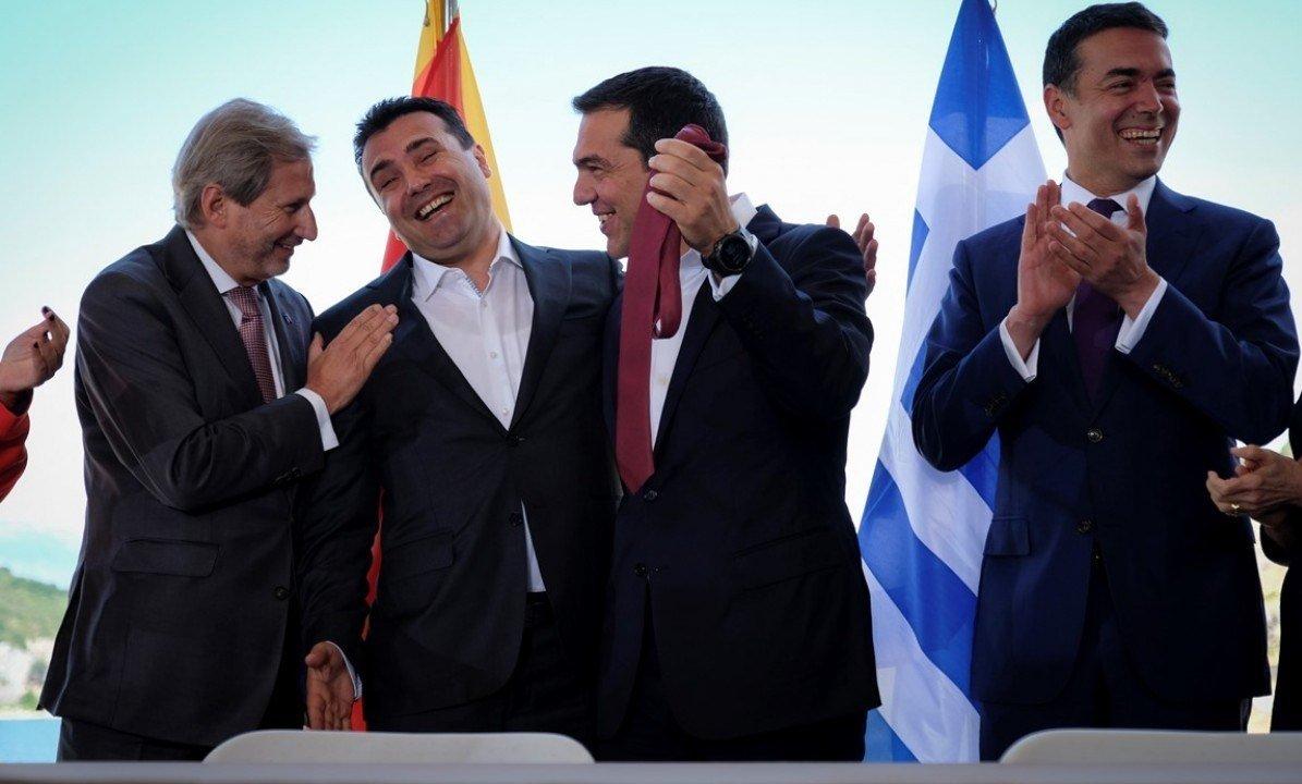 """Αποκάλυψη που ρίχνει τον Τσίπρα – Αμερικανός καθηγητής: «Ο Σόρος πίσω από τις """"Πρέσπες"""", άλλη μετάφραση πήγαν στην Ελληνική Βουλή»"""